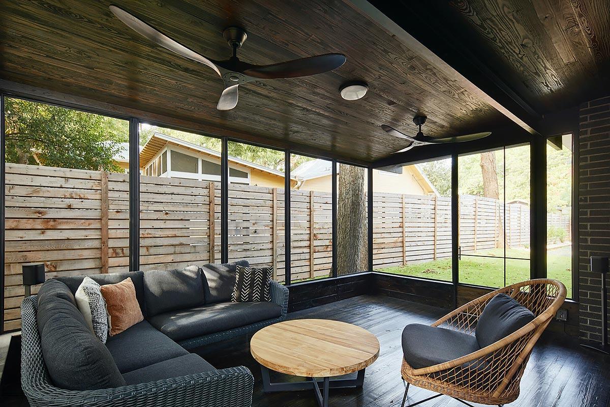 Dana's porch03 east austin carpenters project