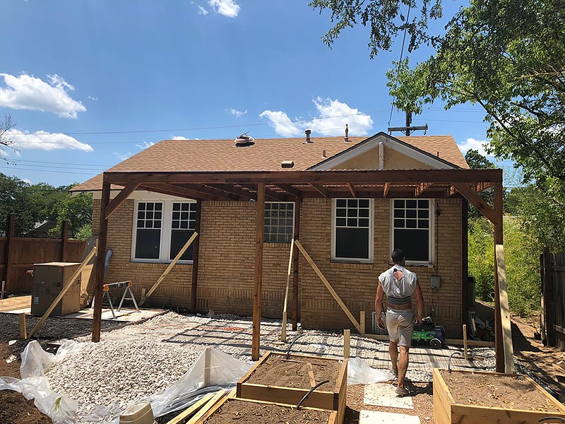 Mandi's Deck 03 East Austin Carpenters Project