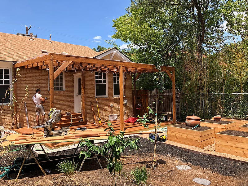 Mandi's Deck 06 East Austin Carpenters Project