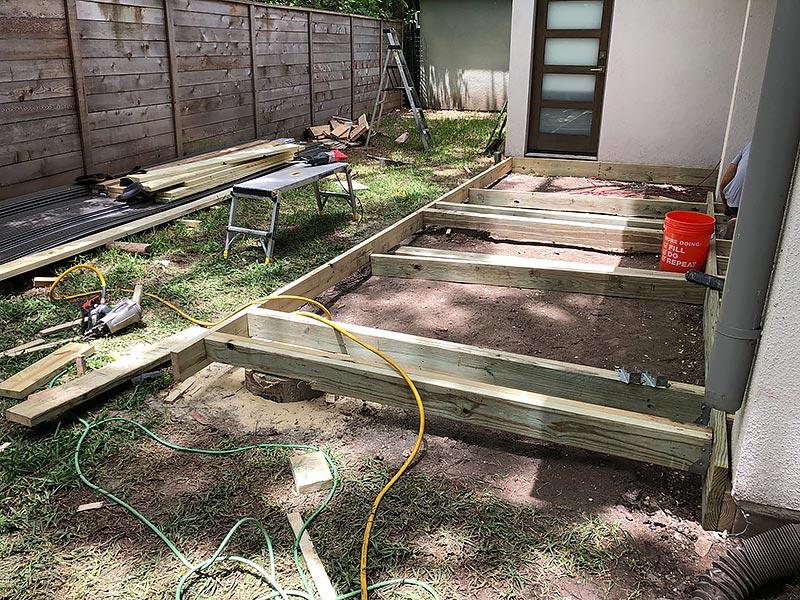 Ralph's Deck 07 East Austin Carpenters Project