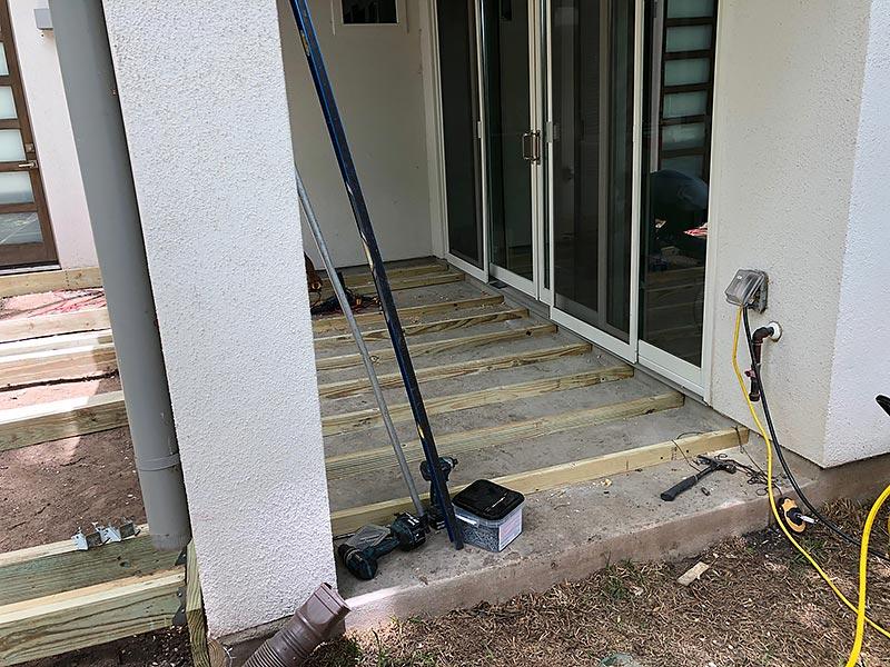 Ralph's Deck 10 East Austin Carpenters Project